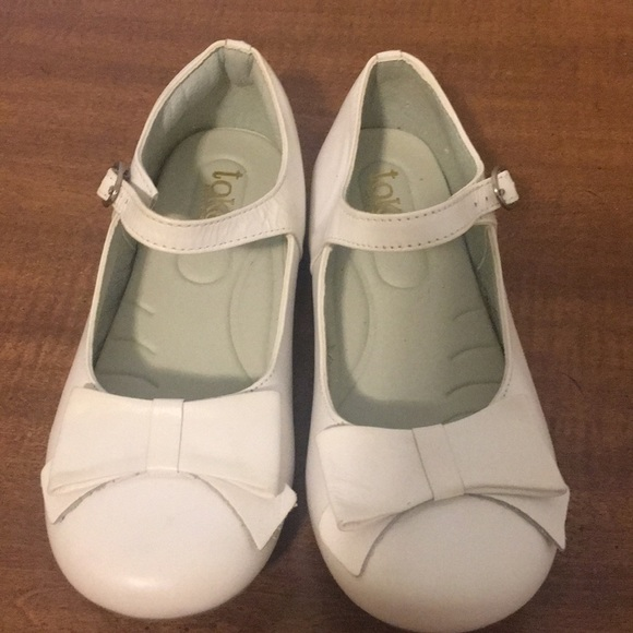 TOKE Other - TOKE white leather Mary Janes shoes